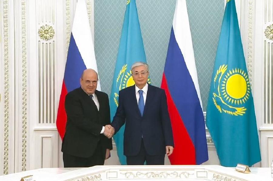 К. Токаев встретился с Премьер-Министром РФ Михаилом Мишустиным
