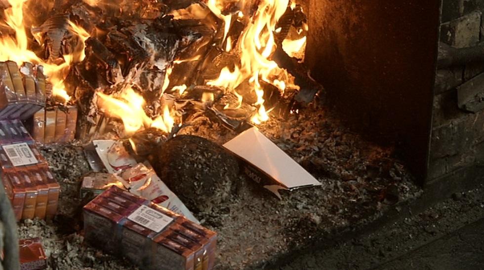 Большое количество презервативов и других средств гигиены сожгли в пригороде Алматы