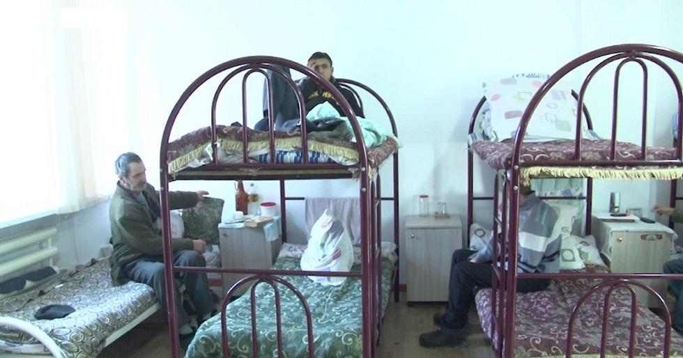 Скандал в центре адаптации бездомных: сотрудники вынужденно использовали просроченные лекарства