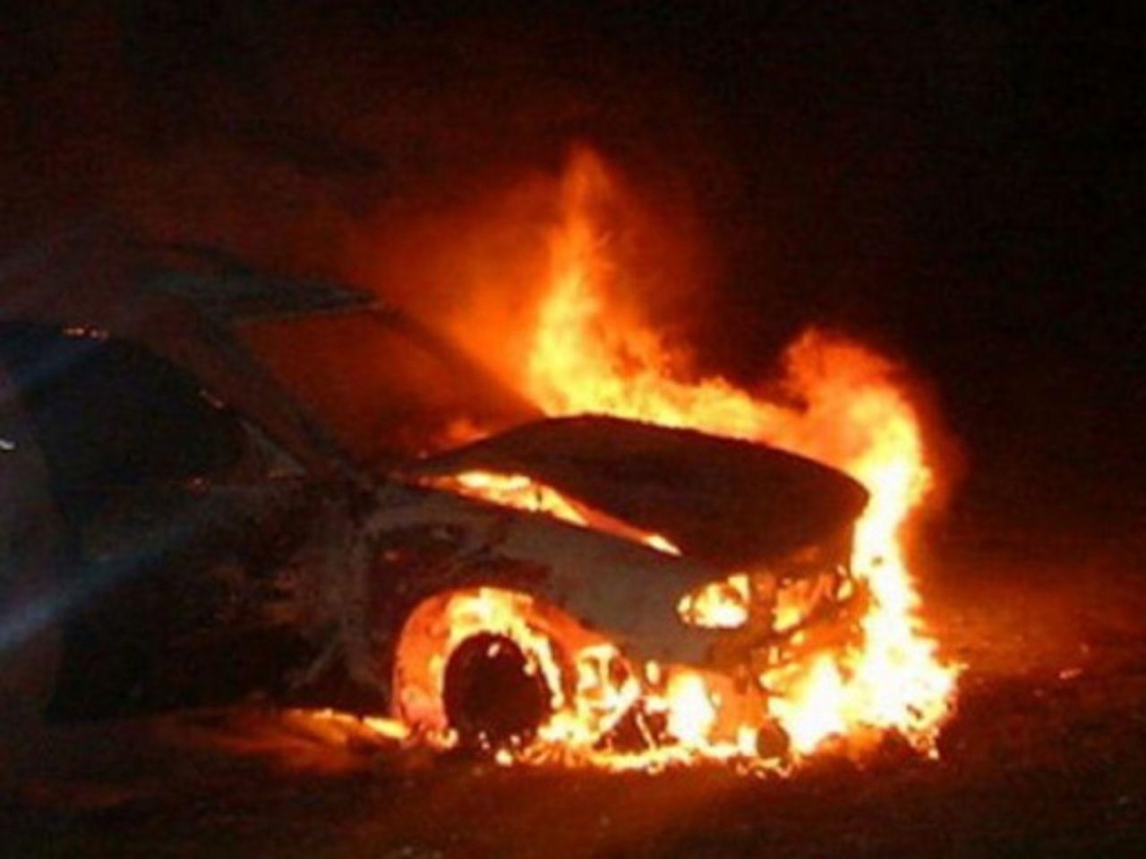 Жительница Актобе сожгла автомобиль бывшего мужа