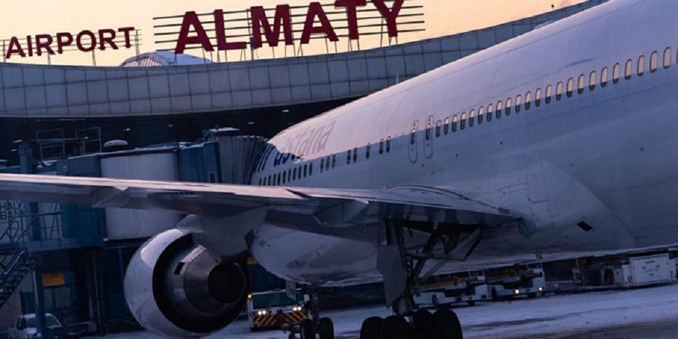 В аэропорту Алматы волонтеры раздали более 3 тыс. памяток по профилактике коронавируса
