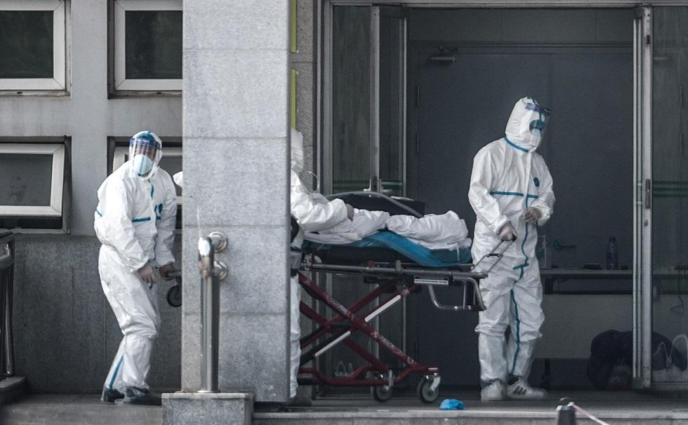Число умерших от коронавируса в Китае достигло 908 человек