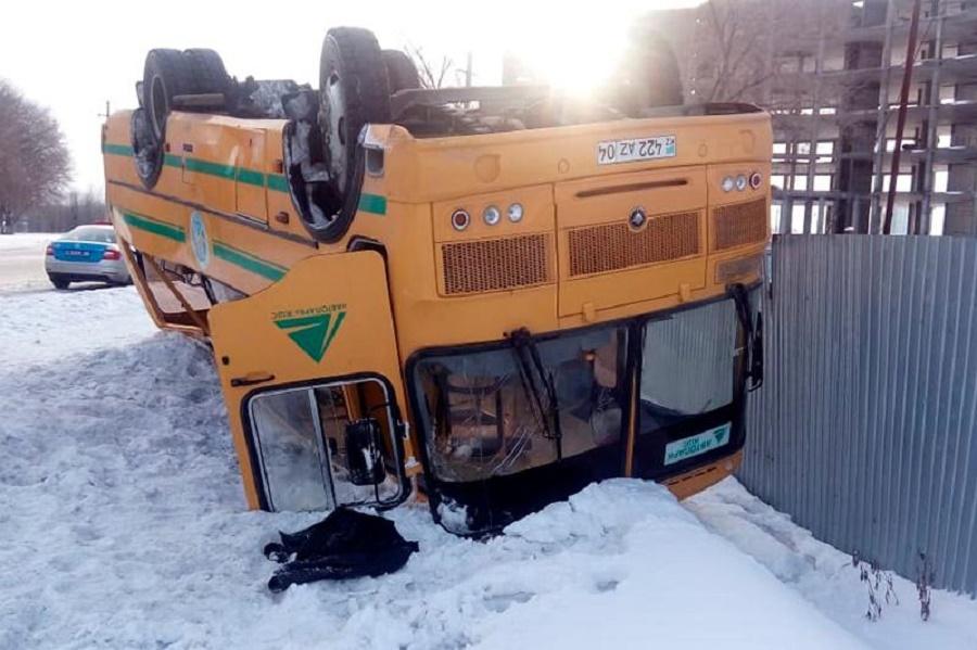 ДТП с пассажирским автобусом в Актобе: пострадало 26 человек