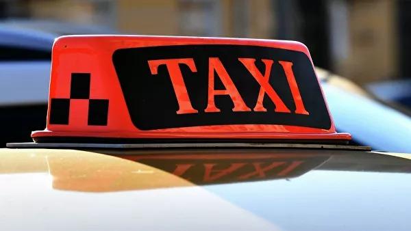 Таксист изнасиловал пассажирку и скрылся