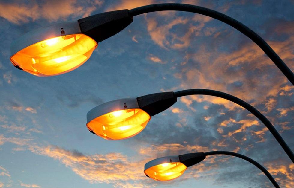 Мы поставили амбициозную задачу: до конца года обеспечить освещением все улицы Алматы -  Сагинтаев