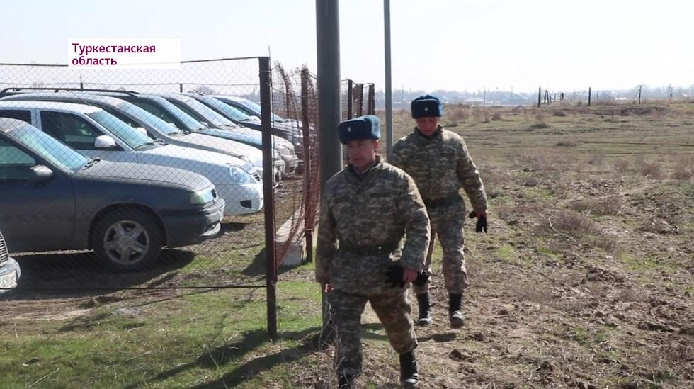 Вооруженный солдат сбежал из воинской части в Туркестанской области