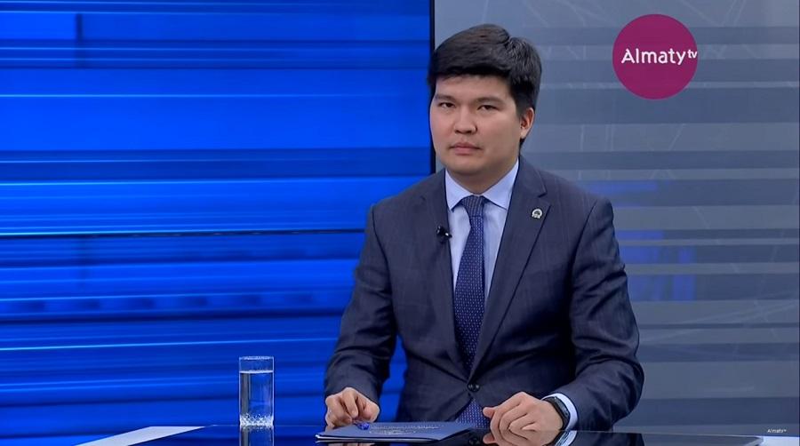 Бакытжан Акжаров ответил на вопросы жителей Турксибского района в эфире Akimat LIVE