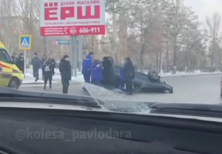 Двухлетняя девочка пострадала после ДТП в Павлодаре