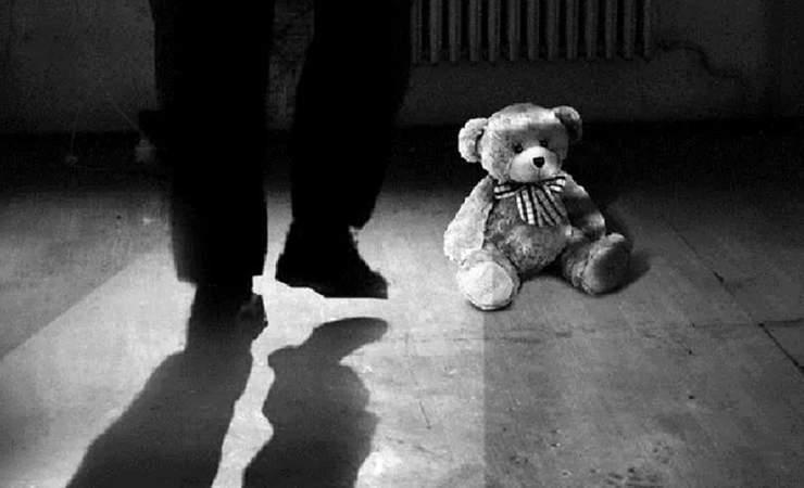 Педофил изнасиловал двухлетнюю девочку
