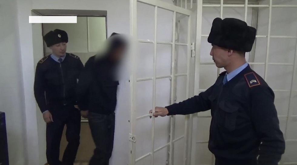 Утащил в заброшенный подвал: 8-летнюю девочку изнасиловал житель села Алматинской области