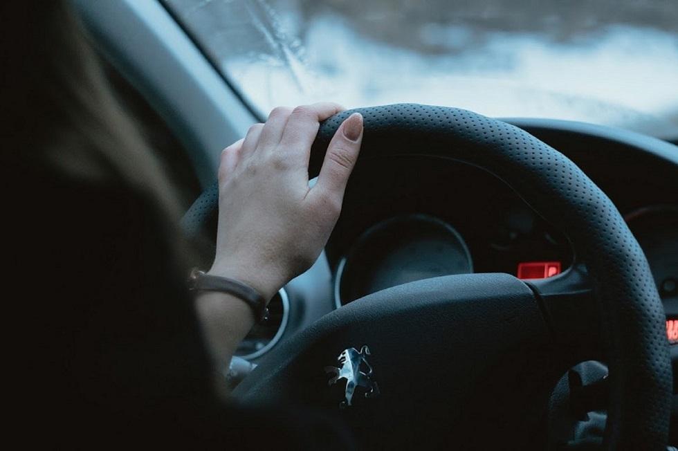 23-летняя девушка угнала вызванное такси в Бишкеке