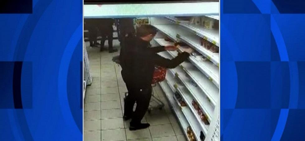 Сметает продукты с полок для паники - покупатель-провокатор попал на видео