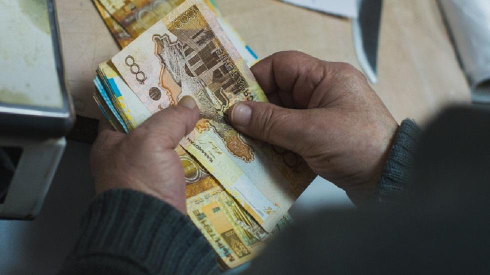 Казахстанцам выплатят пособия во время режима ЧС