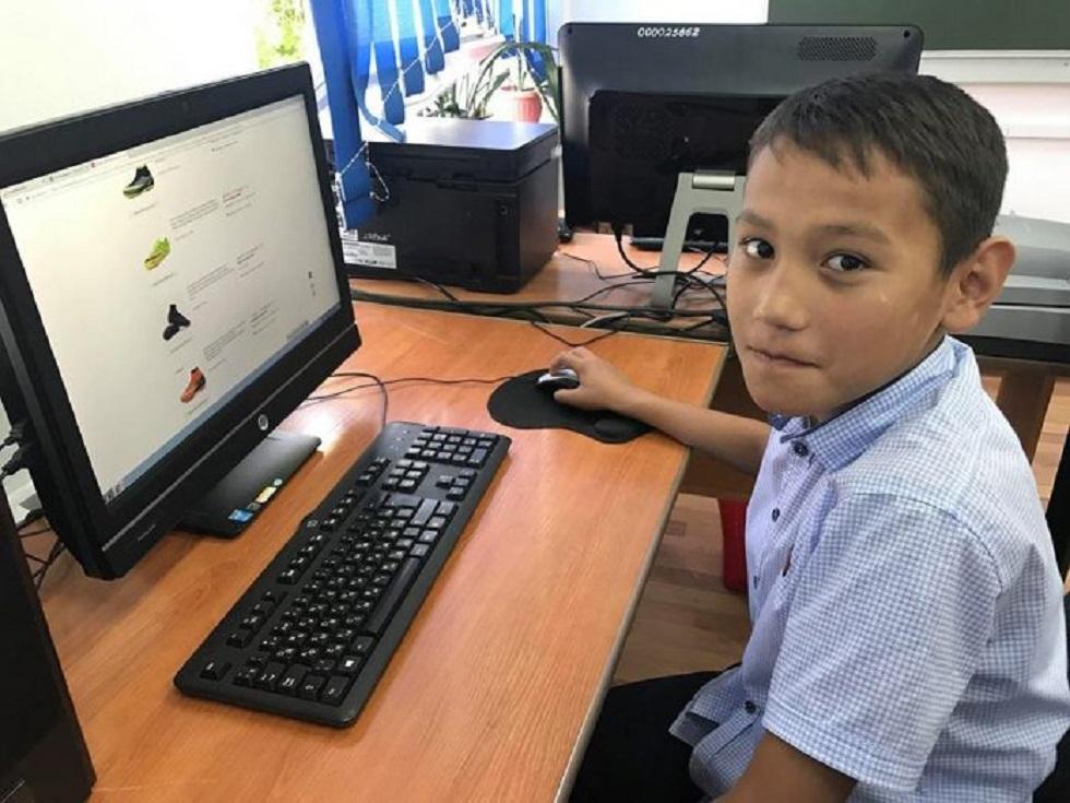 Орта мектептерде білім алатын 300 мың оқушының компьютері жоқ – министр