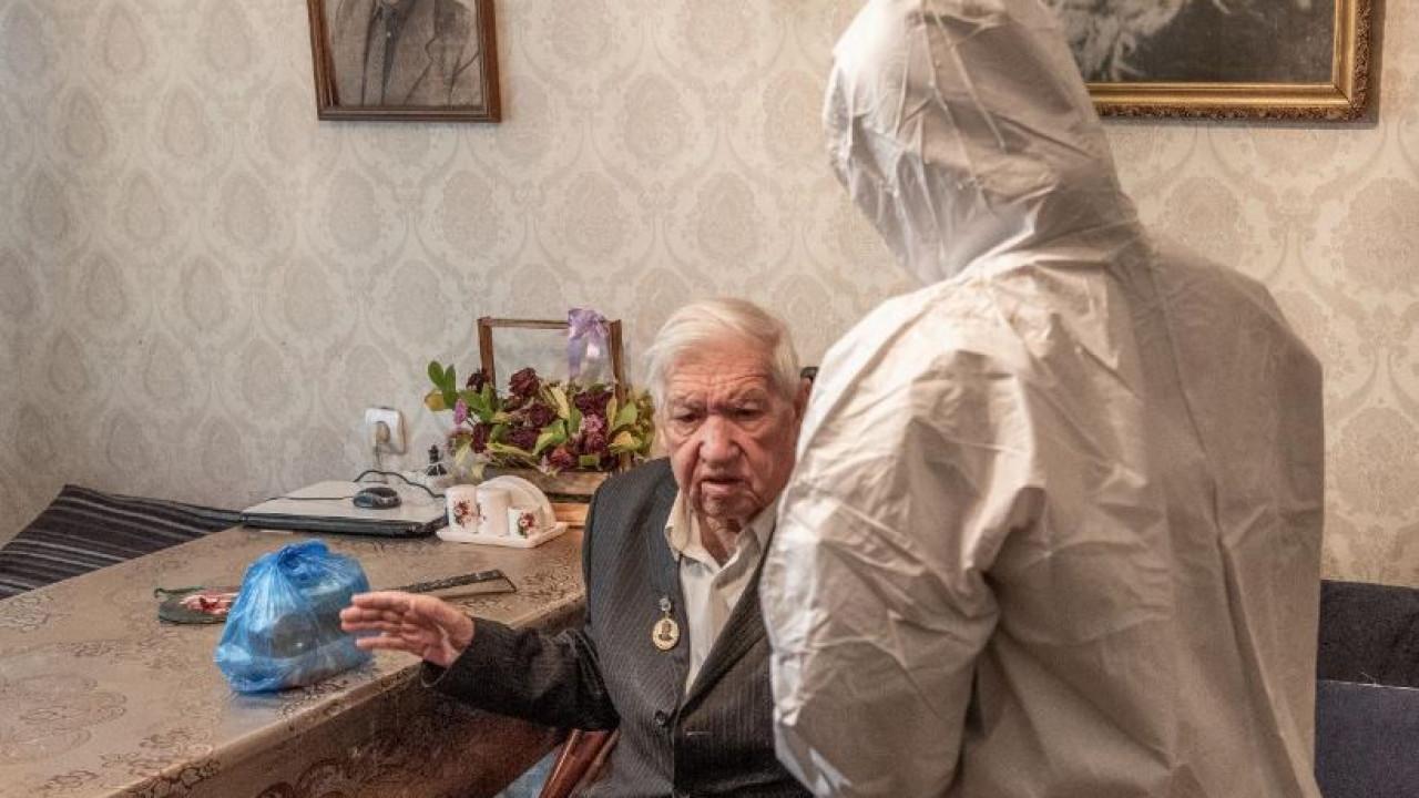 В Алматы горячим питанием будут охвачены более 1000 человек преклонного возраста
