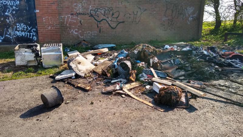Улицы Великобритании завалены мусором из-за коронавируса