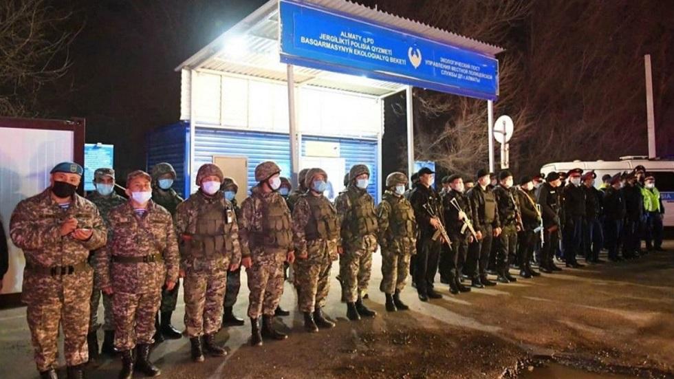 Расширен список тех, кому разрешено пересекать блокпосты в Алматы