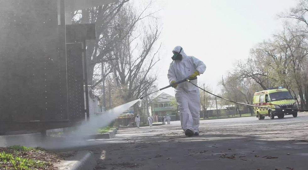 Четвертый этап дезинфекционных работ близится к завершению в Алматы