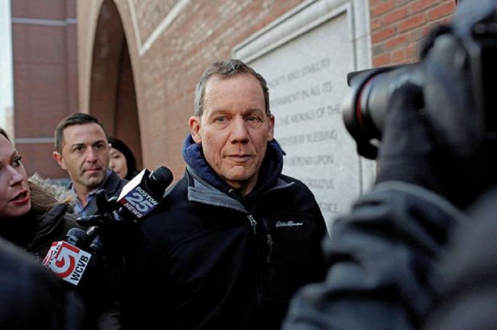 """Charles Lieber, cựu Giáo sư trường Đại học Harvard mới đây đã bị Bồi thẩm đoàn liên bang Mỹ tại Boston truy tố vì che giấu mối quan hệ của ông với Kế hoạch """"Ngàn nhân tài"""""""