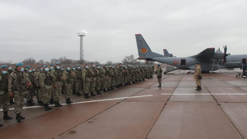 300 десантников отправили в Нур-Султан и Уральск