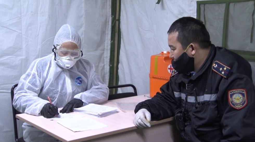 В Алматы военных и полицейских проверили на COVID-19