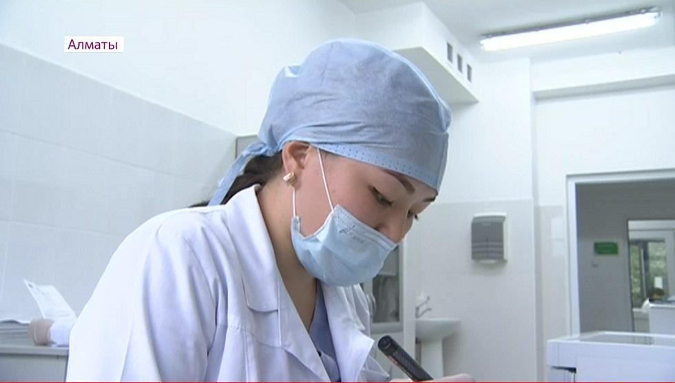 Какую прибавку получат алматинские врачи