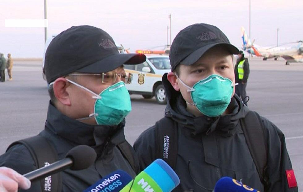 Китайских врачей, прибывших в Казахстан, проверили на COVID-19