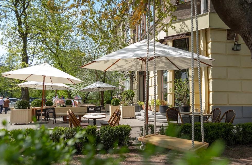 В Алматы разрешено открытие ресторанов и гостиниц: куда должны обратиться владельцы