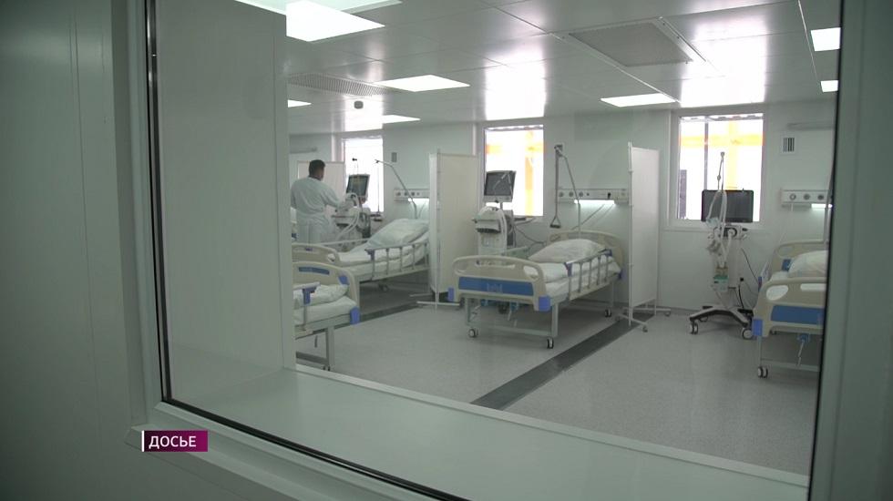 Министр здравоохранения пообщался с пациентами в модульной больнице Алматы