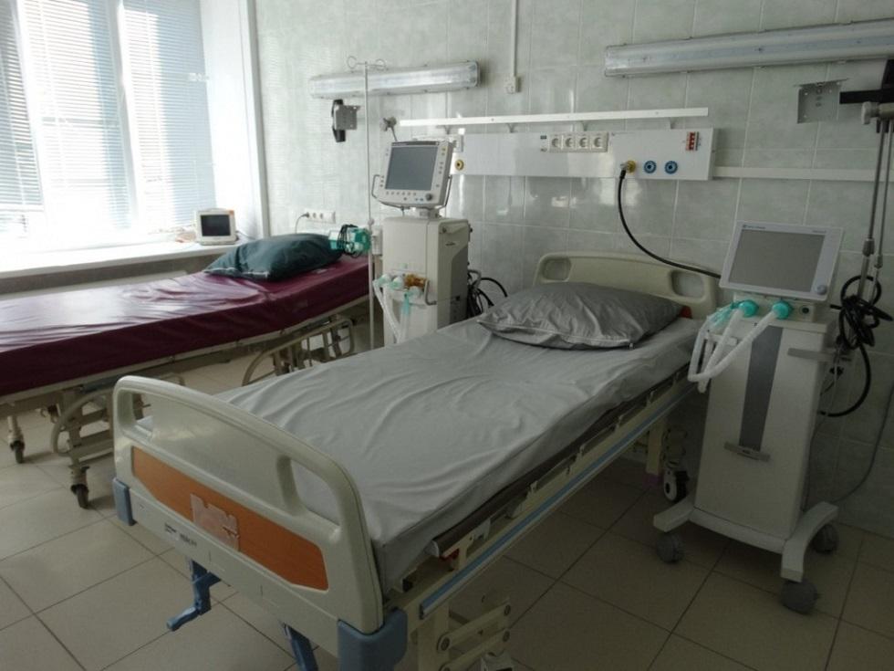 Четыре поликлиники закрыли в Уральске на карантин