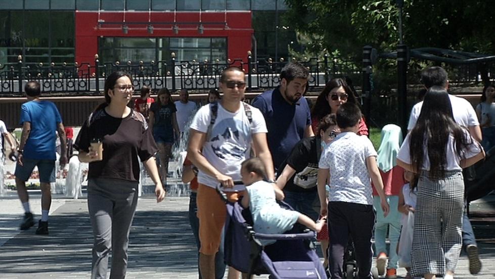 Семья, дети и здоровье приоритетны для молодых казахстанцев - онлайн опрос