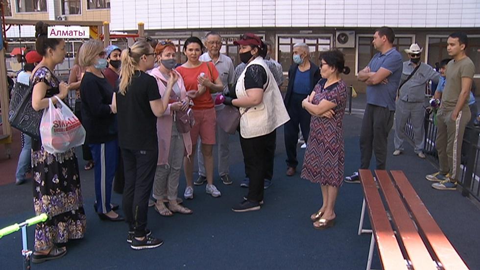 Коммунальный конфликт: в престижном ЖК Алматы по вине КСК царит бардак