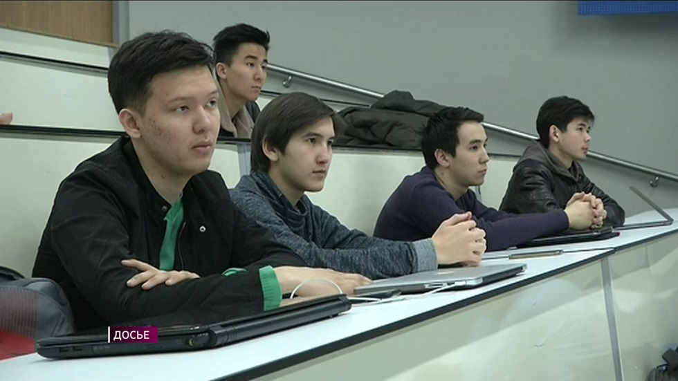Студентам педагогических специальностей повысят стипендию
