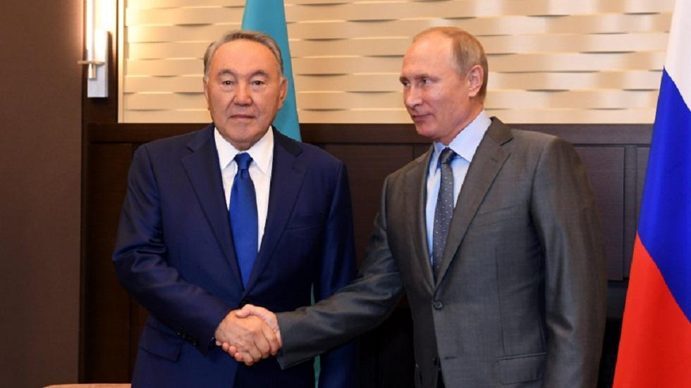 Владимир Путин пожелал Нурсултану Назарбаеву скорейшего выздоровления от COVID-19