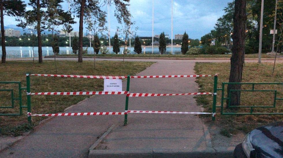 Меры необходимы для защиты от коронавируса — в Ауэзовском районе на дезинфекцию закрыты 84 объекта