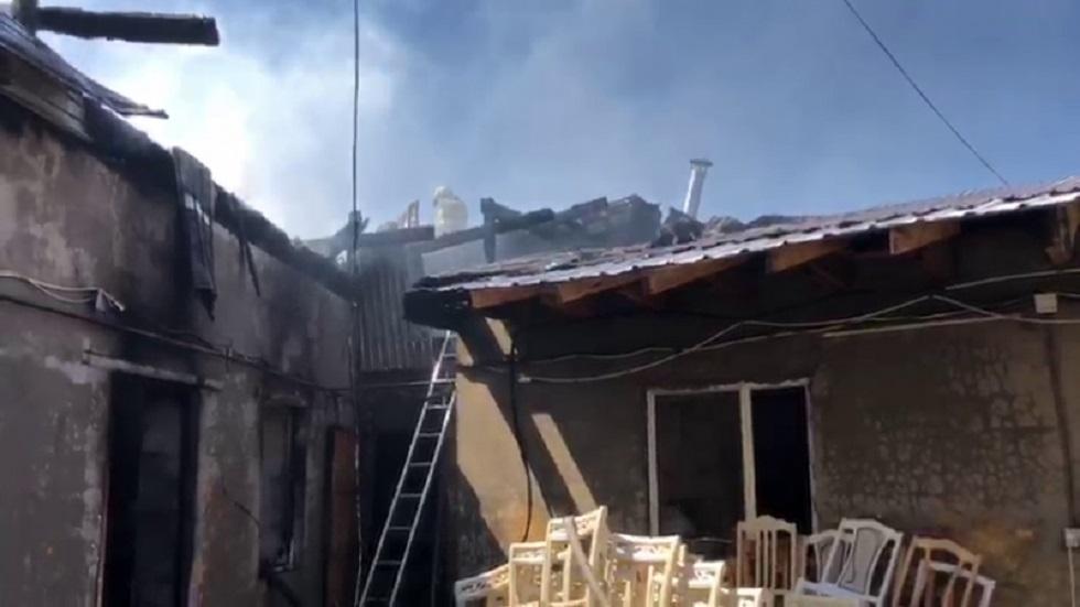 Мебельный цех горел близ барахолки в Алматы