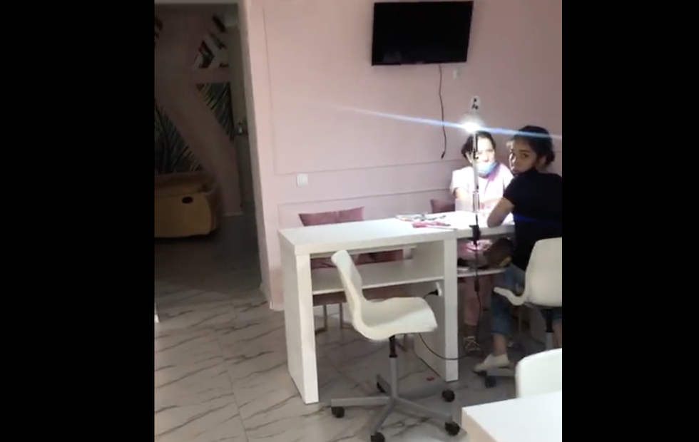 Салон красоты в Алматы работал вопреки запретам