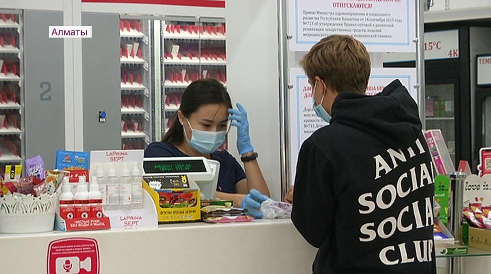 Рейд по аптекам Алматы: мониторинговая группа проверяет наличие препаратов и цены на них