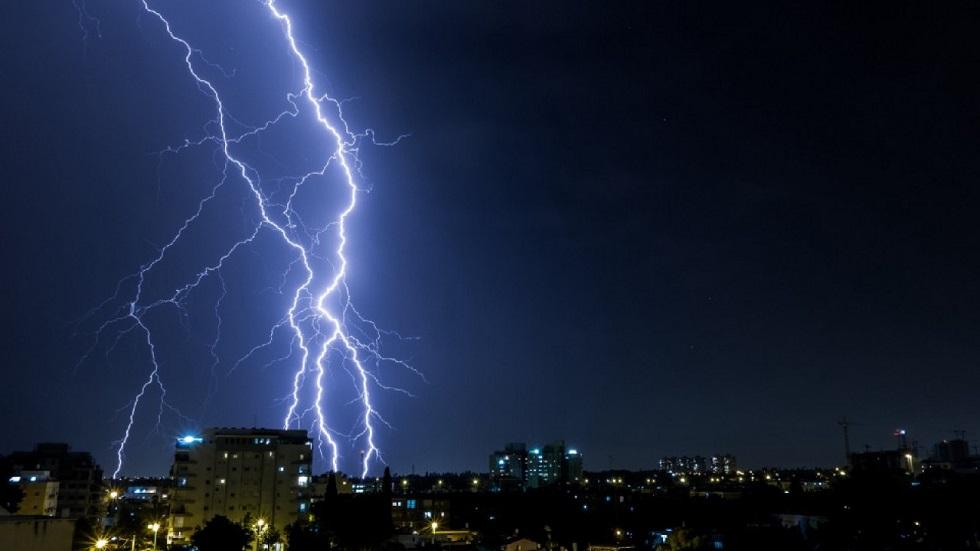 Штормовое предупреждение объявили в девяти регионах Казахстана