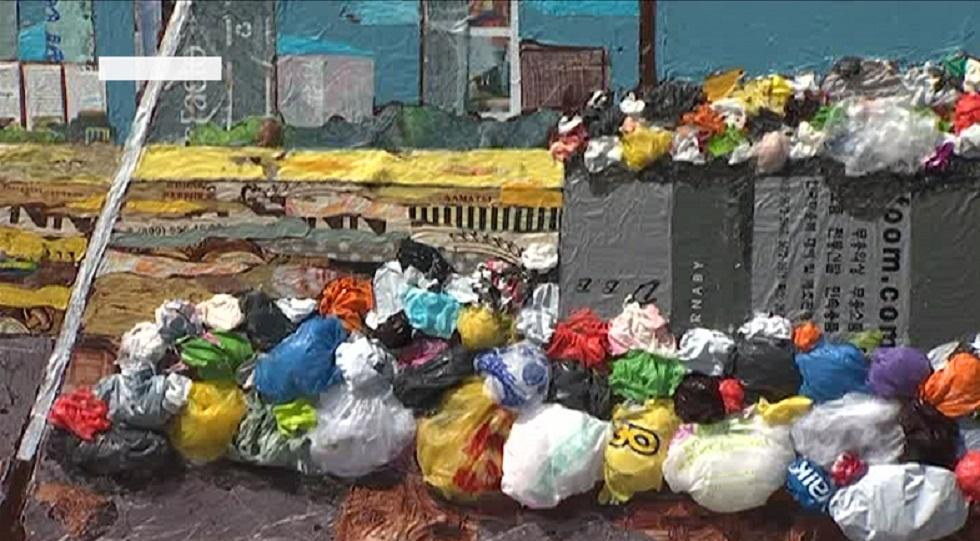 Нұр-Сұлтанда полиэтилен пакеттерінен жасалған экологиялық инсталляция пайда болды
