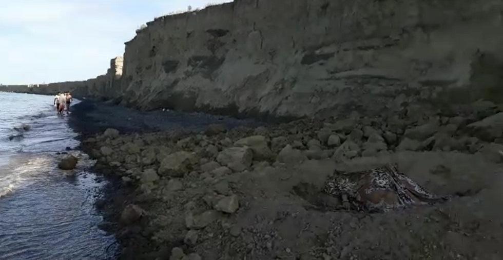 Отдых на Алаколе закончился трагедией: алматинка погибла под обвалом