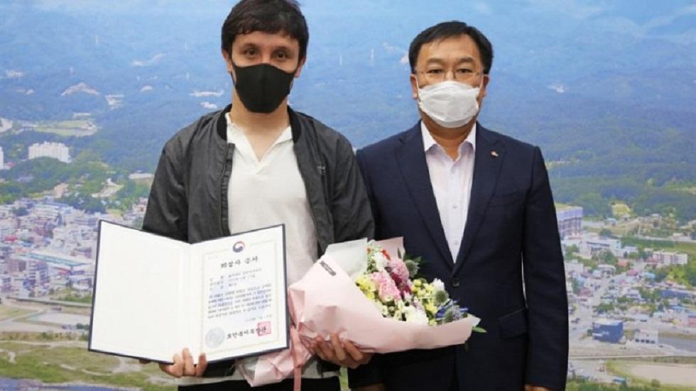 Казахстанца наградили в Южной Корее за спасение соседей при пожаре