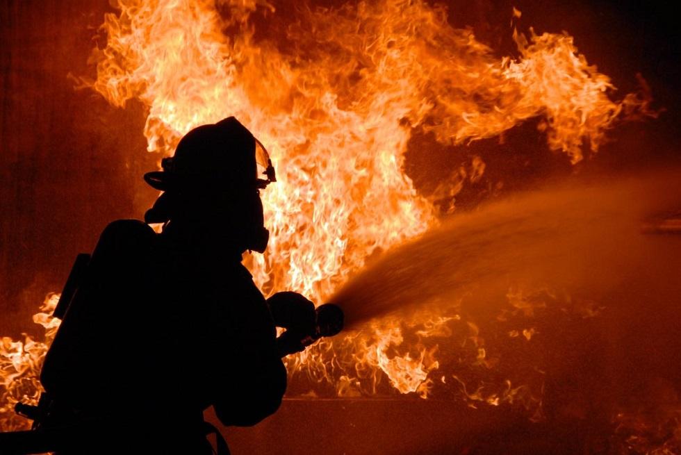 Пожар в Алматинской области: огнеборцы спали 25 человек в многоэтажном жилом доме