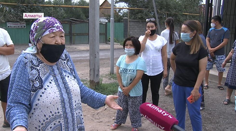 Жители Турксибского района Алматы пожаловались на отсутствие дорог и постоянные перебои с подачей воды