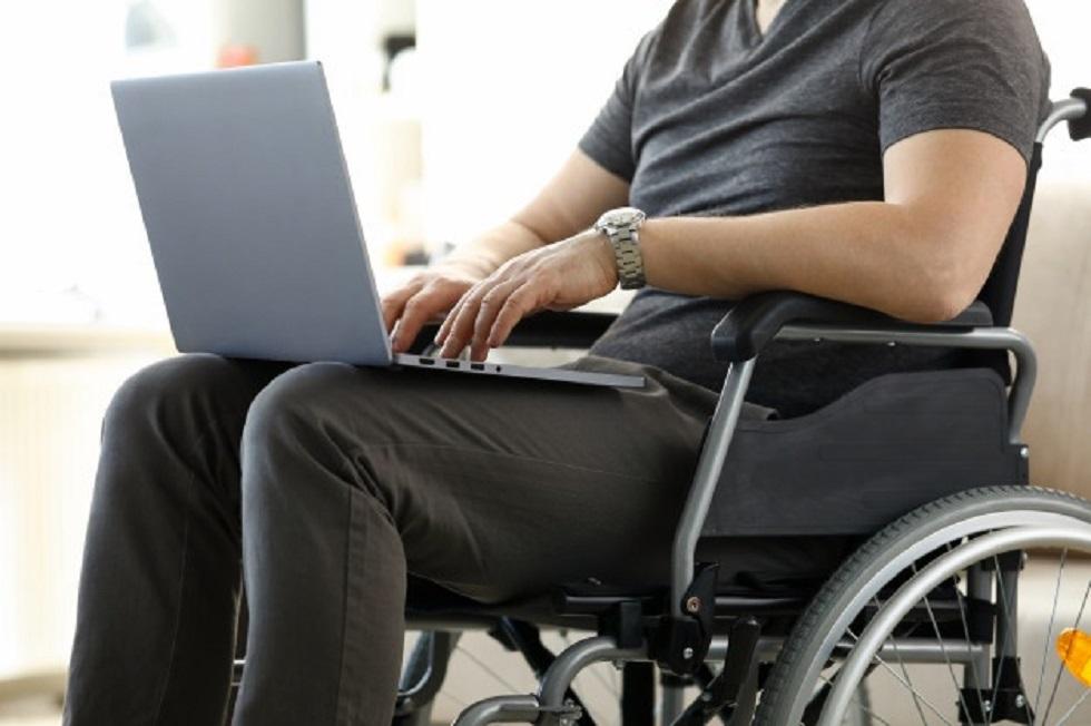 Люди с ограниченными возможностями смогут освоить профессию ІТ-специалистов в Казахстане
