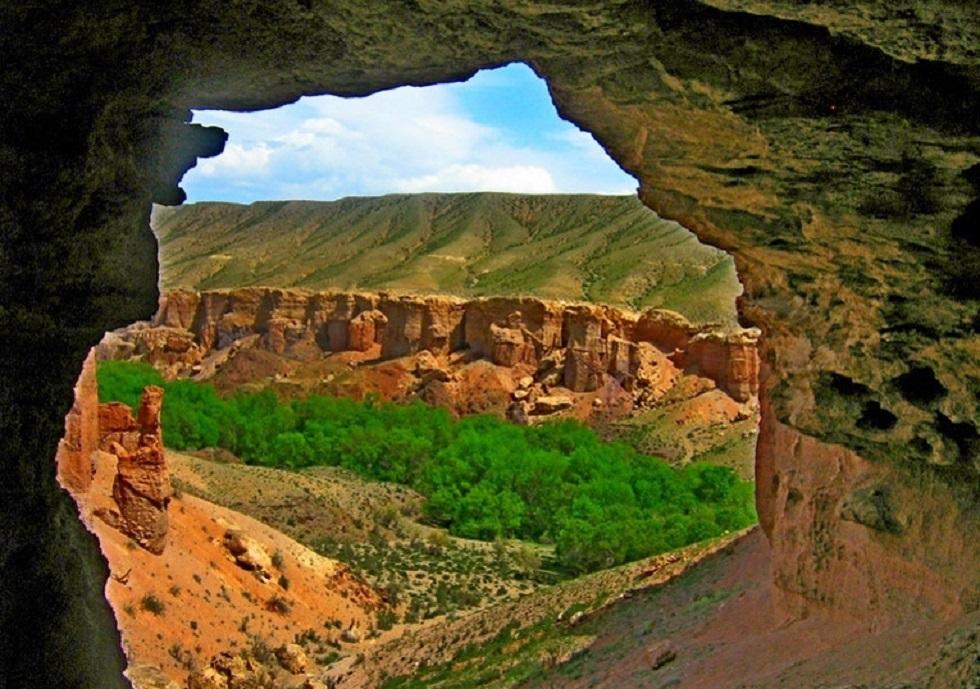 Туристы смогут переночевать на Чарынском каньоне несколько дней