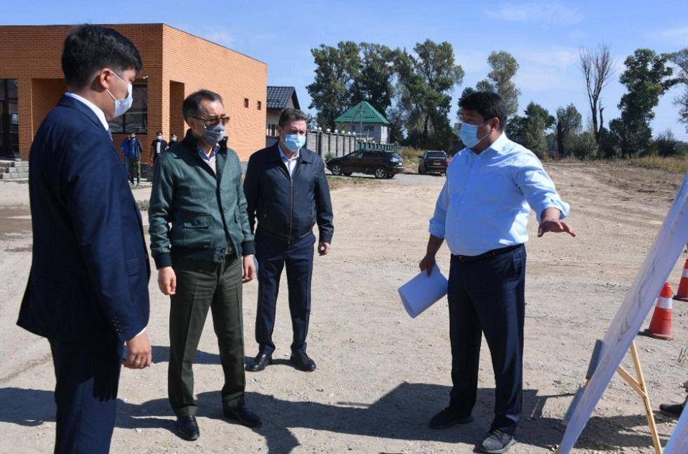 Вопрос благоустройства в отдаленных микрорайонах Алматы на особом контроле городских властей