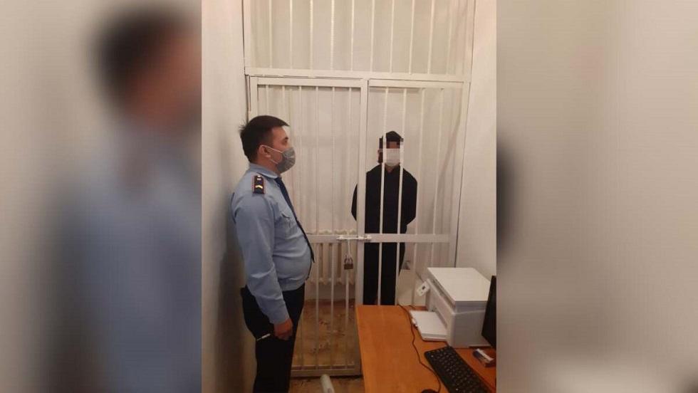 Грабитель напал на пенсионерку в Алматинской области