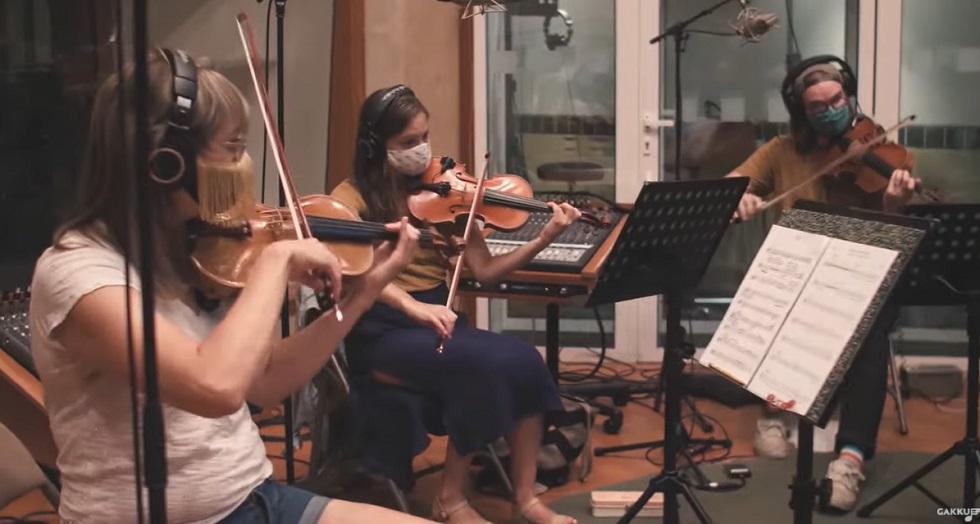 Америкалық музыканттар «Айттым сәлем, қаламқас» атты шығармасын орындады