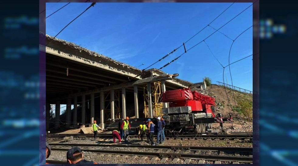 В Нур-Султане обрушился мост: подробности инцидента